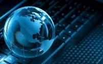 Backlit globe and computer keyboard - Online Training